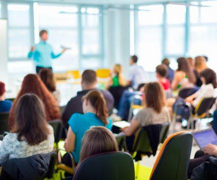 Câmara Municipal atribui vales de 25 euros aos alunos do concelho do Entroncamento