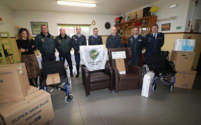 GNR de Santarém doa bens ortopédicos e de consumo a lar de idosos