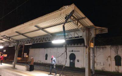 Comboio de carga 'perde peças' na Estação Ferroviária de Santarém