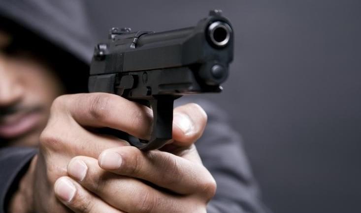 Assalto à mão armada nos correios rende milhares de euros