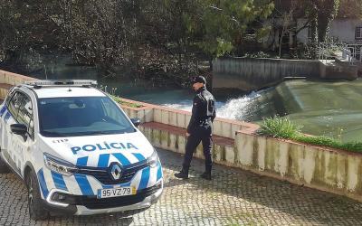 Polícia salva homem que se atirou ao rio Almonda
