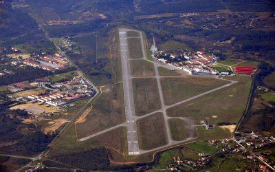 Autarcas do Médio Tejo aprovam moção para estudo de viabilidade de aeroporto regional