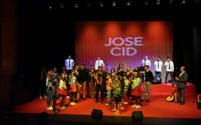 Mais de 300 pessoas enchem Cineteatro da Chamusca na homenagem a José Cid