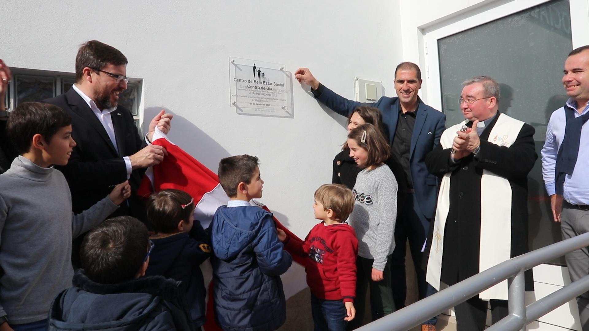 VÍDEO   Casével inaugurou Centro de Bem Estar Social em ambiente de festa