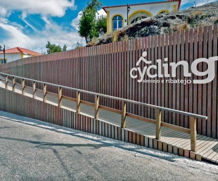 Secretária de Estado do Turismo inaugura Centro de Cycling do Arripiado