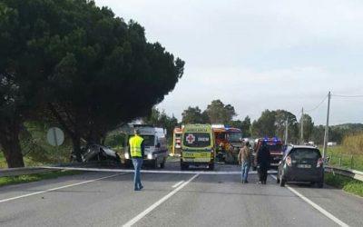 Acidente causa dois feridos graves e corta estrada nacional 366