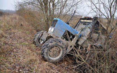 Colisão entre tractor e veículo ligeiro provoca um morto