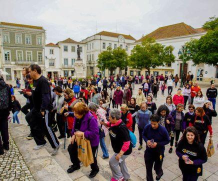 Caminhada Viver Santarém mobilizou centenas de pessoas no centro histórico de Santarém
