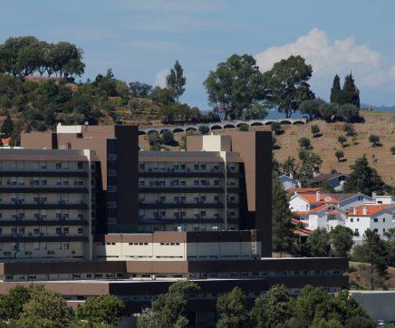 Hospital de Abrantes abre nova área só para utentes de lares