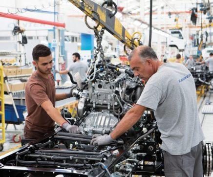 Mitsubishi Fuso suspende produção no Tramagal por duas semanas