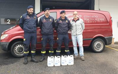 Bombeiros de Santarém recebem 500 litros de álcool gel de empresas de vinhos