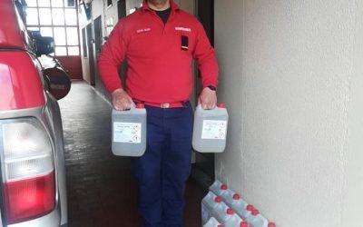 Borrego & Leonor oferece 175 litros de álcool gel aos Bombeiros de Almeirim