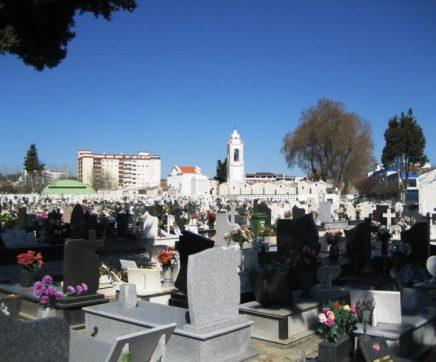 Rio Maior permite acesso ao cemitério no fim-de-semana de forma condicionada