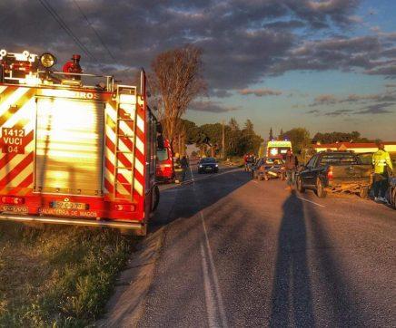 Colisão entre quatro viaturas provoca quatro feridos na EN 118