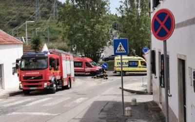 Motociclista ferido em colisão com viatura ligeira em Santarém