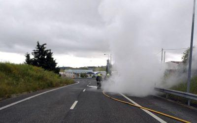 Viatura arde no Nó de acesso à A15