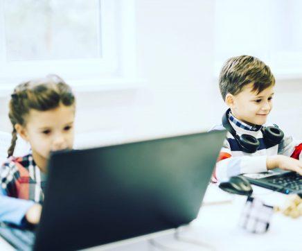 Câmara do Cartaxo adquire 295 computadores para emprestar a alunos do concelho