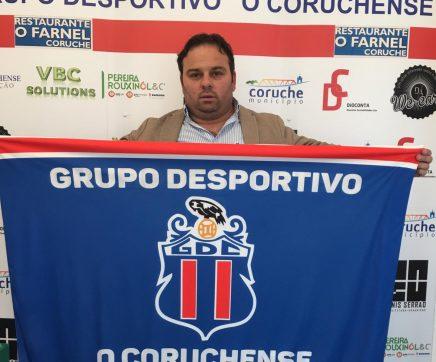 "Grupo Desportivo ""O Coruchense"" apresenta treinador para a próxima temporada"