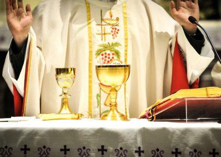 Celebrações religiosas retomadas hoje com várias condicionantes