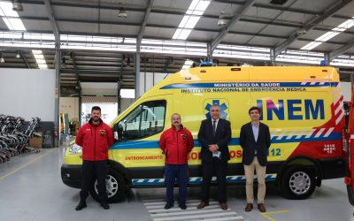 Bombeiros do Entroncamento com nova ambulância INEM