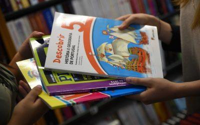 Famílias que já devolveram manuais escolares podem recuperá-los até Setembro