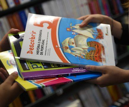 Famílias já podem levantar vales para manuais escolares dos anos de continuidade