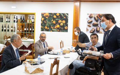 Marcelo almoçou no restaurante de uma IPSS da Chamusca dirigido por activista