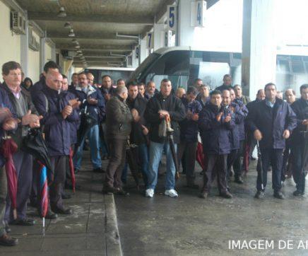 Trabalhadores da Rodoviária do Tejo em protesto para exigir fim do lay-off