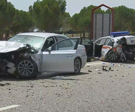 Cinco feridos graves em colisão entre automóvel e carro da GNR na A1 em Santarém
