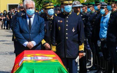 Familiares, camaradas e amigos prestam última homenagem ao militar da GNR que morreu em acidente na A1