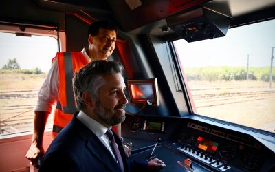 Unidade recuperada no Entroncamento vai reforçar comboios na Linha de Sintra