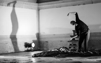 Seller Danza apresenta no Cartaxo espectáculo atrás das vidraças com público no exterior