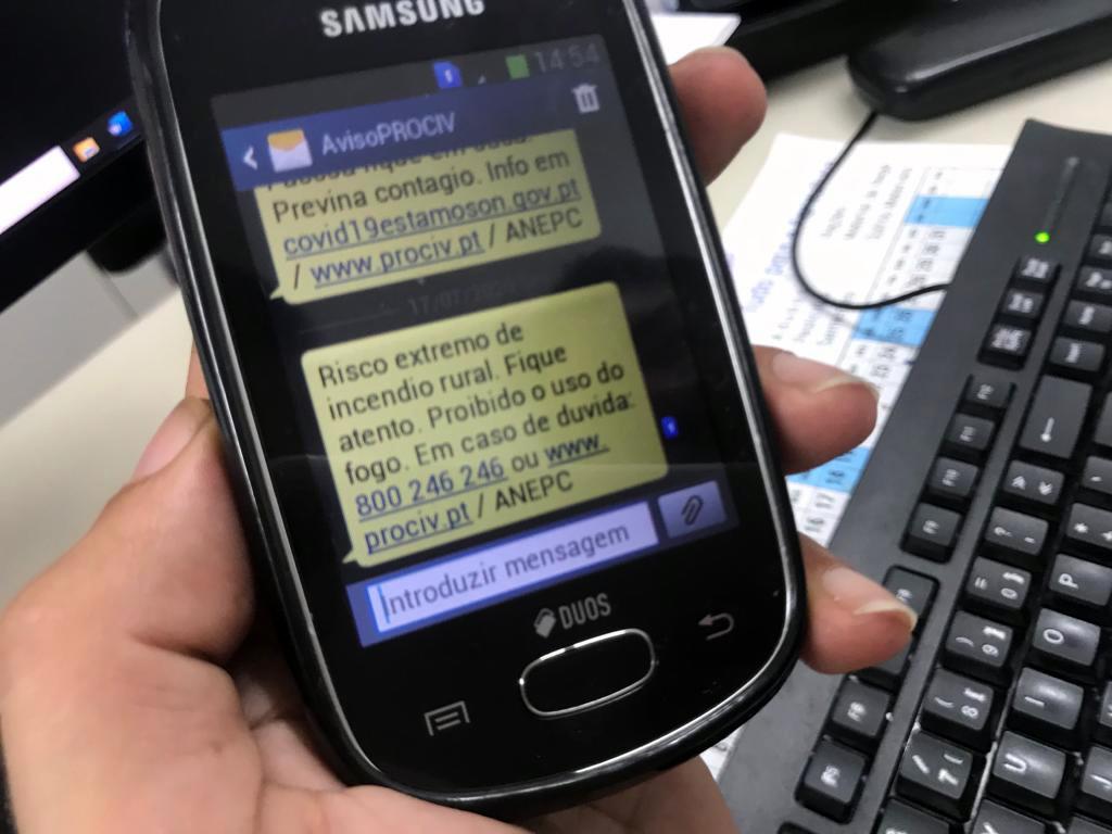 Enviados avisos SMS a mais de 1,5 milhões de pessoas de Faro e Santarém