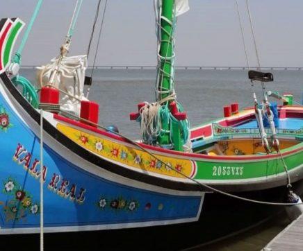 "Barco Varino ""Vala Real"", regressa às águas do Tejo, em Azambuja"