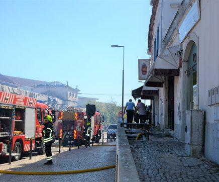 Incêndio em churrasqueira em Santarém