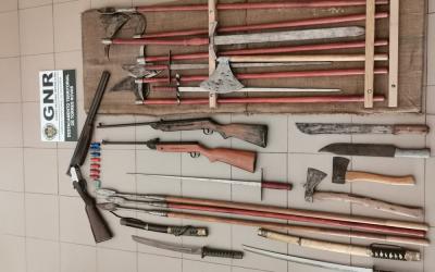 GNR apreende mais de 20 armas a suspeito detido por violência doméstica