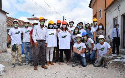 Ministra Ana Mendes Godinho visita habitação reabilitada pela Associação 'Just a Change'