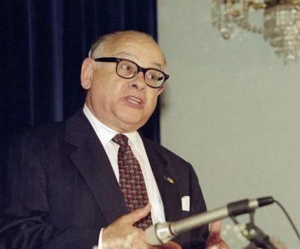 Parlamento homenageia historiador Joaquim Veríssimo Serrão