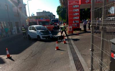 Colisão entre moto e veículo sem carta provoca um ferido em Almeirim