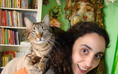 """Reconhecimento de """"Livraria Preferida"""" deixa dona de Aqui Há Gato """"muito feliz"""""""