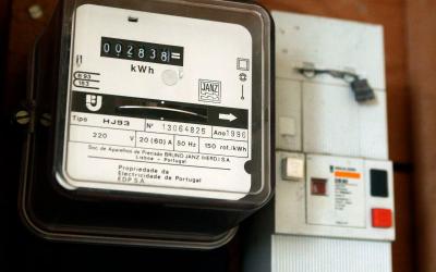 Governo aprova IVA da electricidade diferenciado de acordo com o consumo