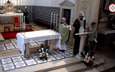 VÍDEO | Homem interrompe missa no Entroncamento para se manifestar contra o cristianismo em África
